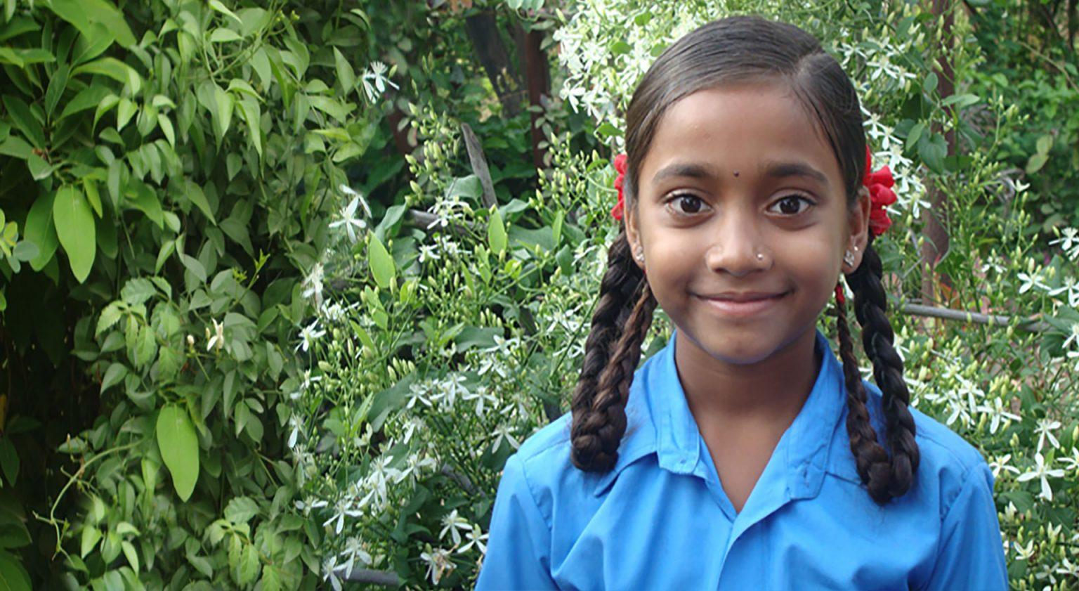 slider-india-schoolmeisje